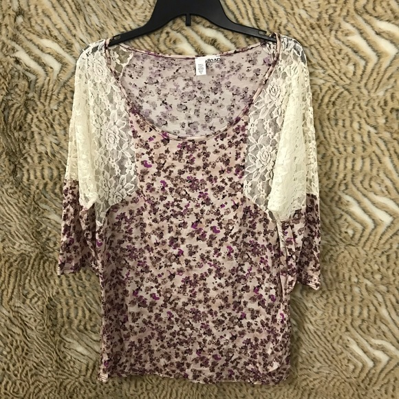 """Abound women's 3/4 sleeves floral/lace top size XL pit 24"""" length 29"""""""